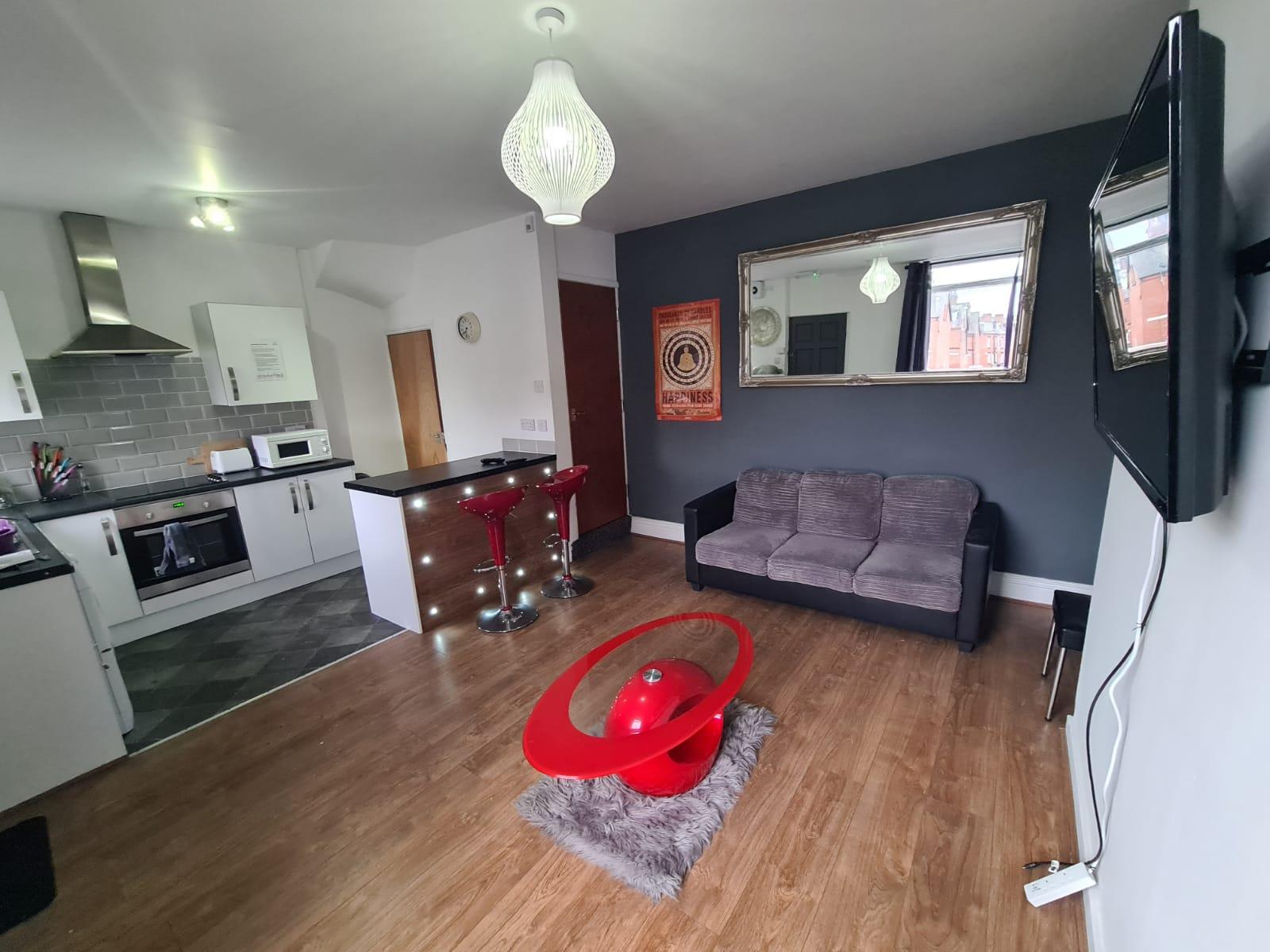 https://www.landlorddirectlets.co.uk/storage/app/uploads/public/600/858/6f8/6008586f86866281866972.jpeg