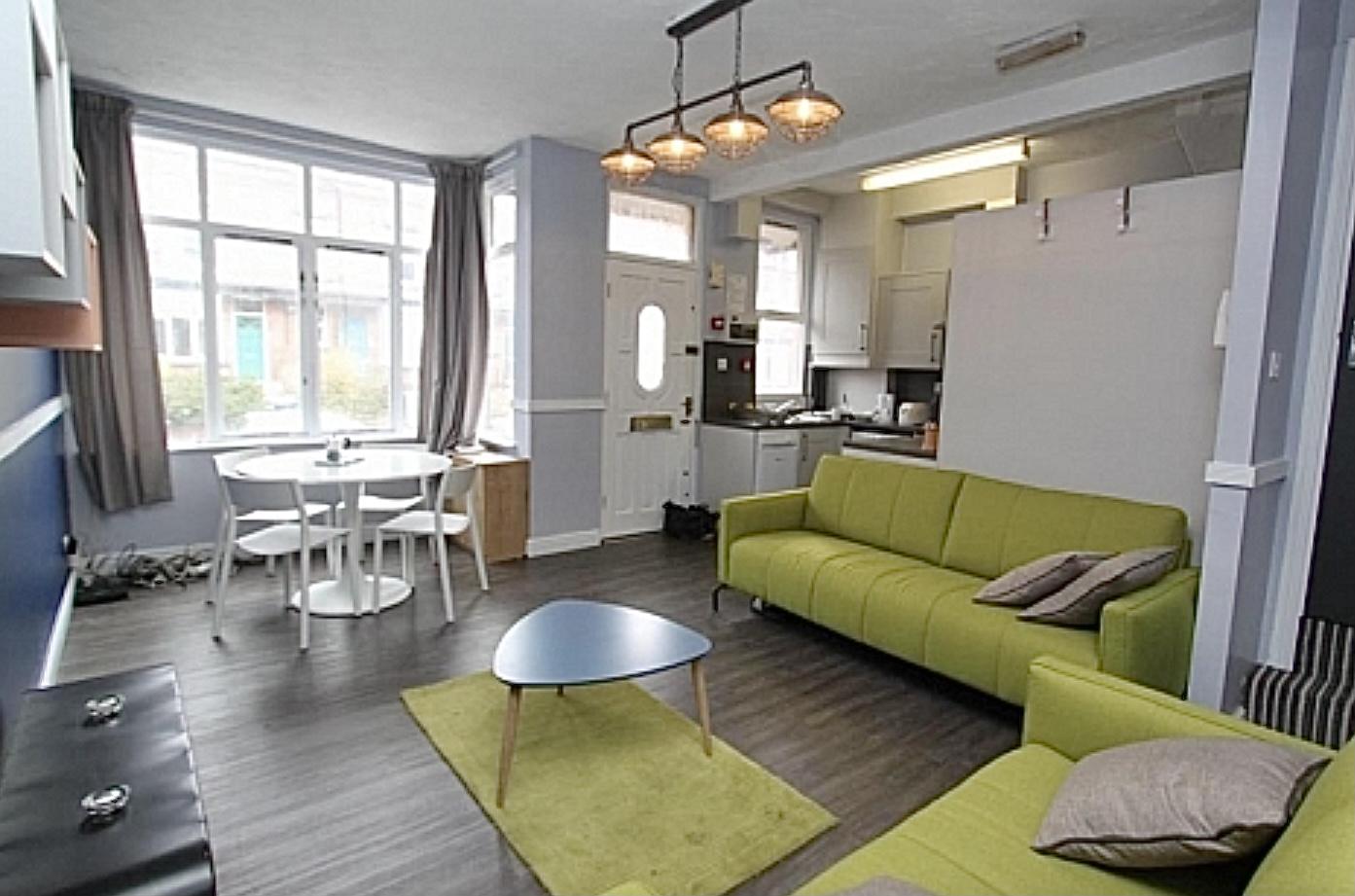 https://www.landlorddirectlets.co.uk/storage/app/uploads/public/606/44b/faa/60644bfaa38be115042982.jpeg